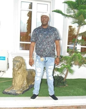 New Photo of Senator Dino Melaye Rocking Ripped Jeans
